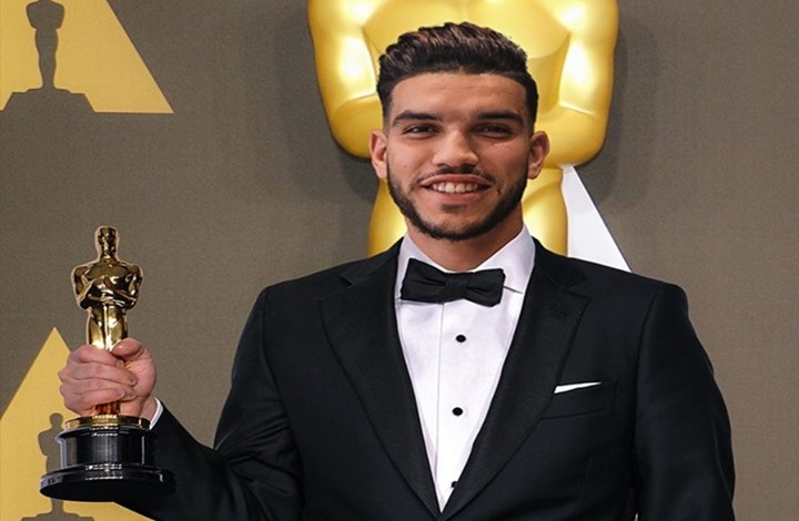 الأهلي المصري يكافئ نجمه المغربي وليد أزارو
