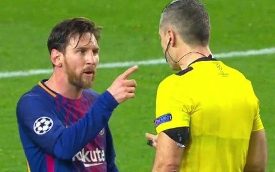 تعرف على ما قاله ميسي للحكم .. هل يتم إيقاف نجم برشلونة ؟؟