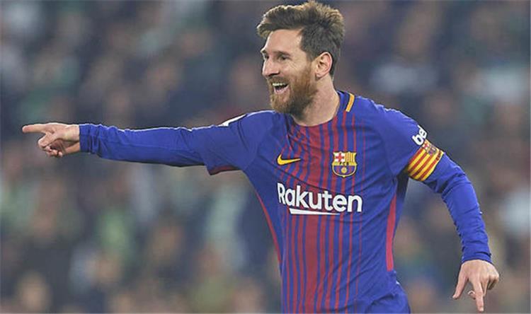 مدافع ليون يكشف عن خطته لإيقاف ميسي قبل مواجهة برشلونة بدوري أبطال أوروبا