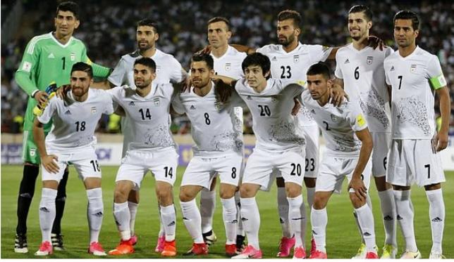 خبر مفرح لعشاق المنتخب المغربي قبل مواجهة ايران يوم الجمعة .. اصابة 4 لاعبين !!