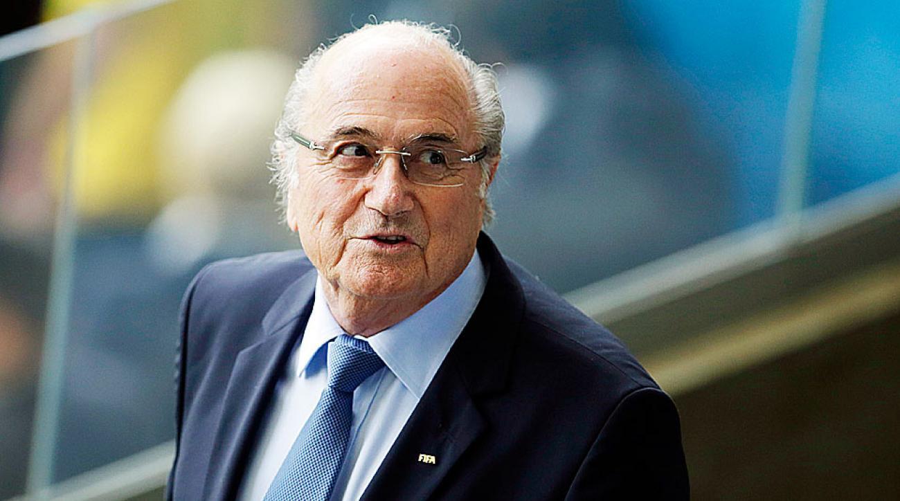 رئيس الفيفا السابق يغادر إلى روسيا لحضور مباراة المغرب والبرتغال