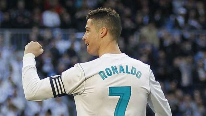 قميص رونالدو يغيب عن متاجر ريال مدريد لأول مرة منذ 9 سنوات