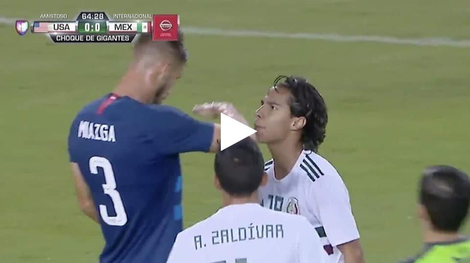 فيديو: الفيفا تقرر ايقاف لاعب امريكا 8 مباريات بسبب تصرفه الغير اخلاقي مع لاعب المكسيك