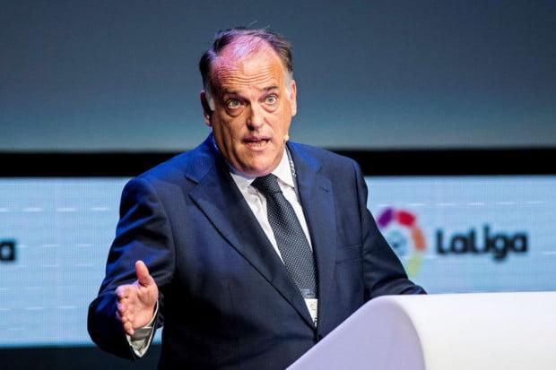 رئيس الرابطة الإسبانية يهاجم باريس سان جيرمان والخليفي مجددا