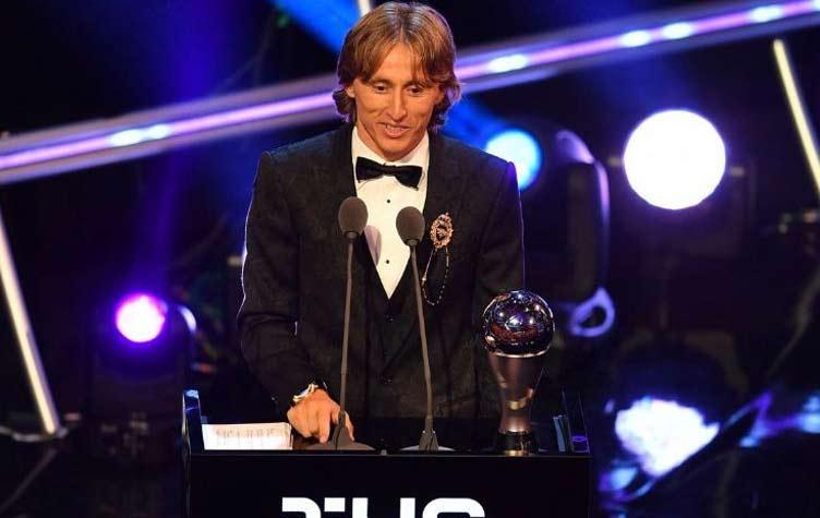 مودريتش: فخر كبير أن أتوج بهذه الجائزة