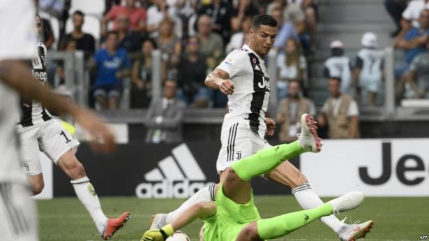 """مدرب إيطاليا يفسر سبب تأخر رونالدو في التهديف مع """"اليوفي"""""""