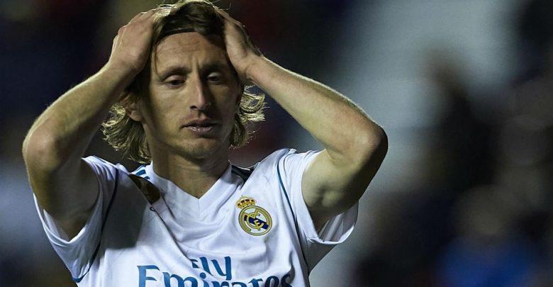 بيريز يستقر على خليفة مودريتش في ريال مدريد