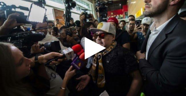 استقبال على طريقة الأبطال لدييغو مارادونا بالمكسيك