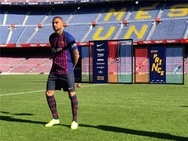 برشلونة يكشف عن قيمة إعارة بواتينج من ساسولو
