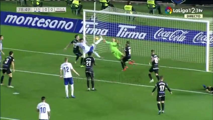 شاهد التصدي الإنتحاري لمنير المحمدي في مباراة اليوم أمام تينيريفي بالدوري الإسباني