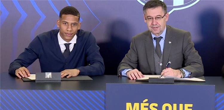رسميًا.. توديبو يجتاز الفحص الطبي ويوقع عقود انضمامه لبرشلونة