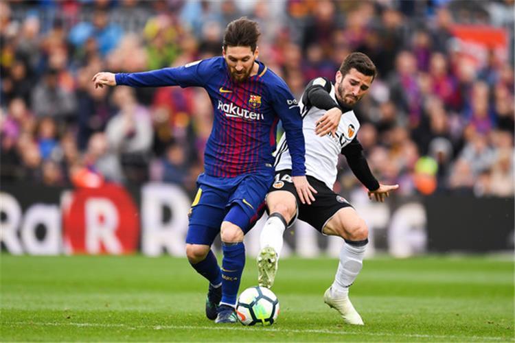 موعد والقناة الناقلة ومعلق مباراة برشلونة وفالنسيا في الدوري الإسباني