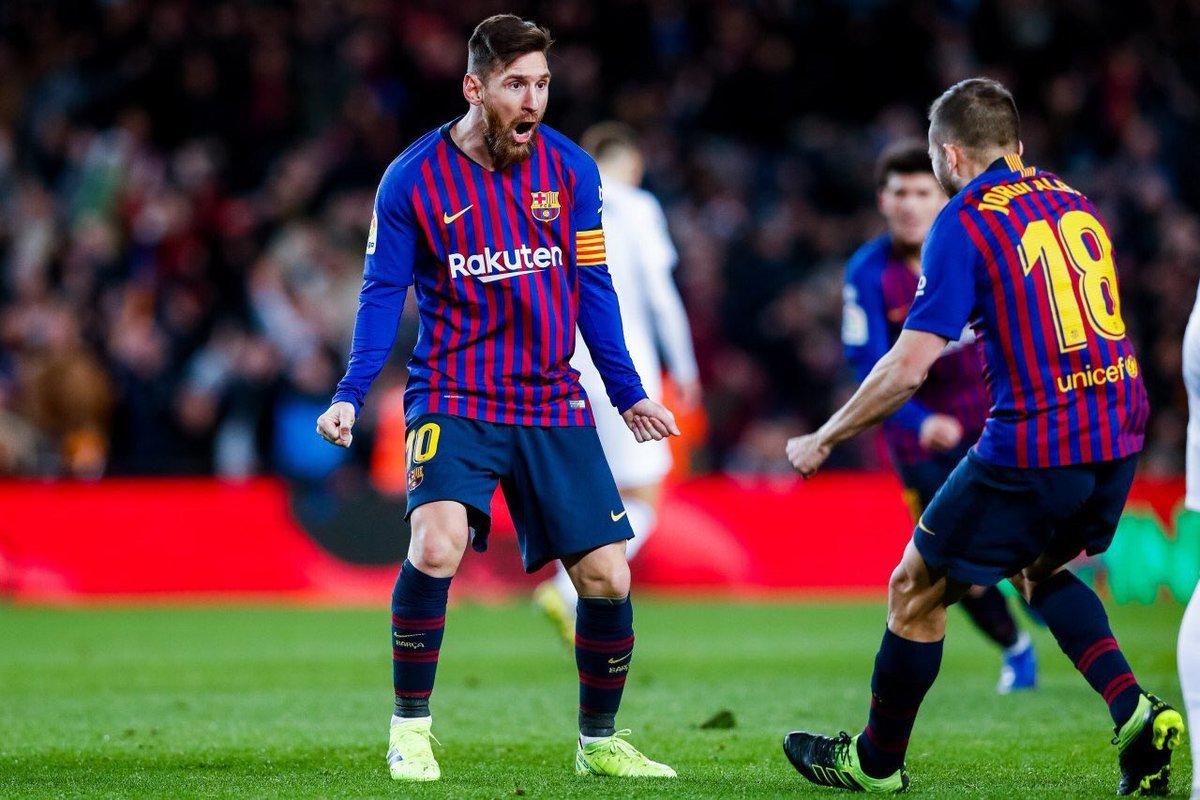 ميسي ينقذ برشلونة من الهزيمة امام فالنسيا