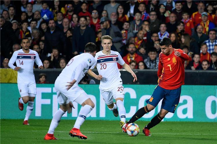 فيديو.. إسبانيا تفلت من فخ التعادل وتحقق فوزًا صعبًا أمام النرويج بتصفيات يورو 2020