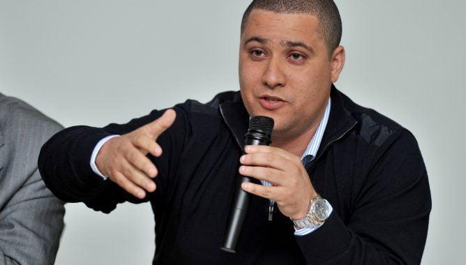 بودريقة يطالب بفرض عقوبة قاسية ضد حكم مباراة الرجاء وبركان