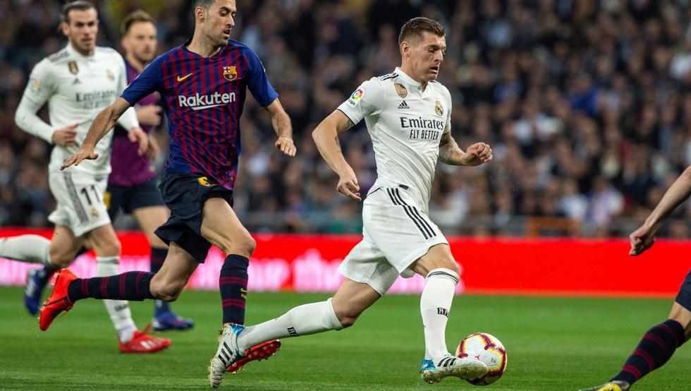 الريال ضد برشلونة.. صافرات الاستهجان تلاحق توني كروس في البرنابيو