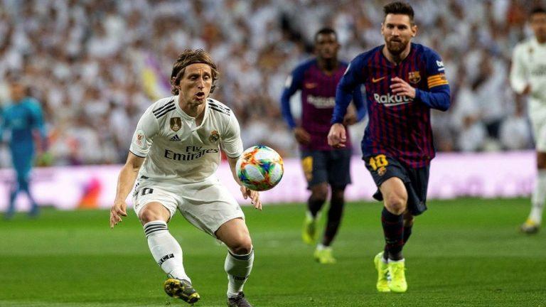 القنوات المفتوحة الناقلة لمباراة ريال مدريد وبرشلونة اليوم في الدوري الإسباني