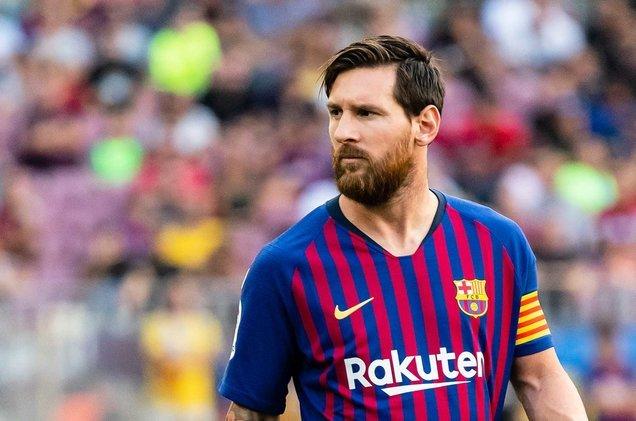ميسي يأمر برشلونة بضم صفقة مفاجئة من مانشستر يونايتد