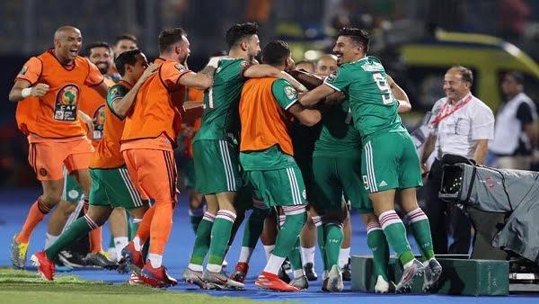 """""""بلايلي"""" يقود الجزائر للفوز على السنغال والتأهل لثمن نهائي أمم إفريقيا"""