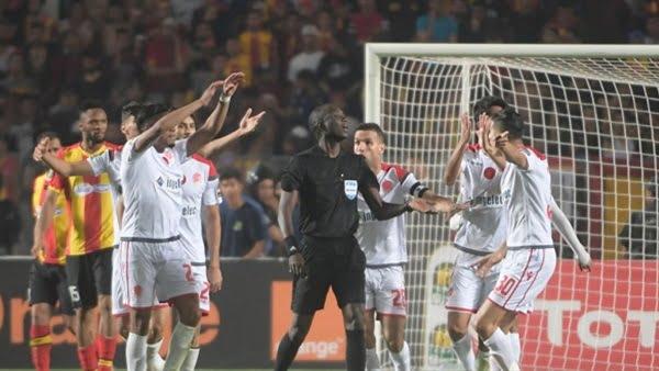 الكاف يستبعد ممثلي تونس والمغرب من اجتماع حسم مصير نهائي دوري أبطال إفريقيا