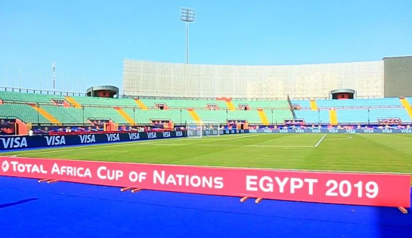فيديو: اخر الاستعدادات بملعب السلام ساعات قبل مباراة المغرب وناميبيا