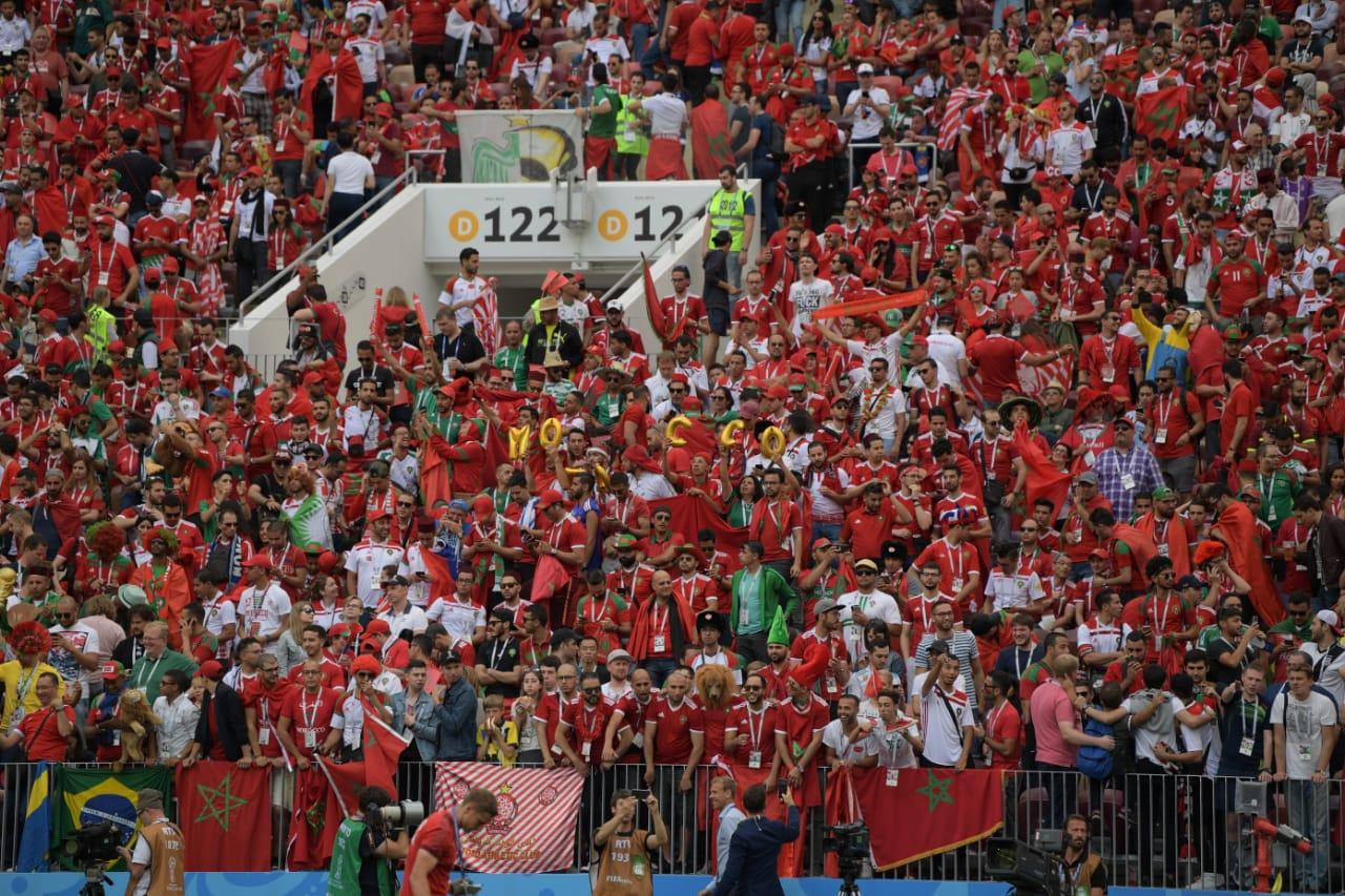 لقطة رائعة من الجماهير المصرية مع المنتخب المغربي