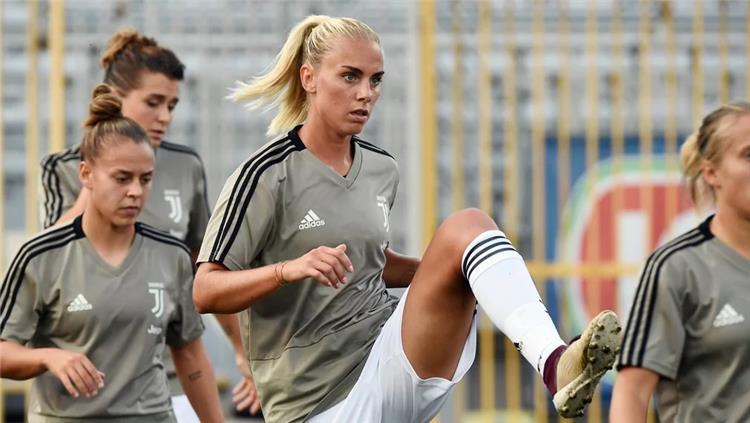 لاعبة سويدية تفضح يوفنتوس: النادي مثل السجن أجبرنا على السكوت بشأن قضية رونالدو والاغتصاب