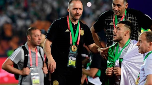 أول تعليق من مدرب الجزائر بعد التتويج بكأس أمم إفريقيا