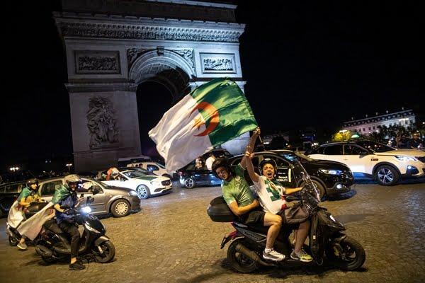 إعتقال عشرات الجزائريين بفرنسا عقب احتفالات التتويج باللقب