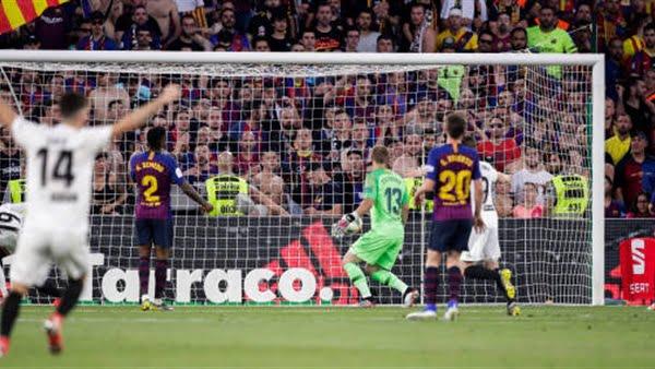 جوارديولا ينوي خطف نجم برشلونة